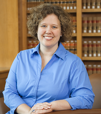 Headshot of Professor Stefanie Pearlman.