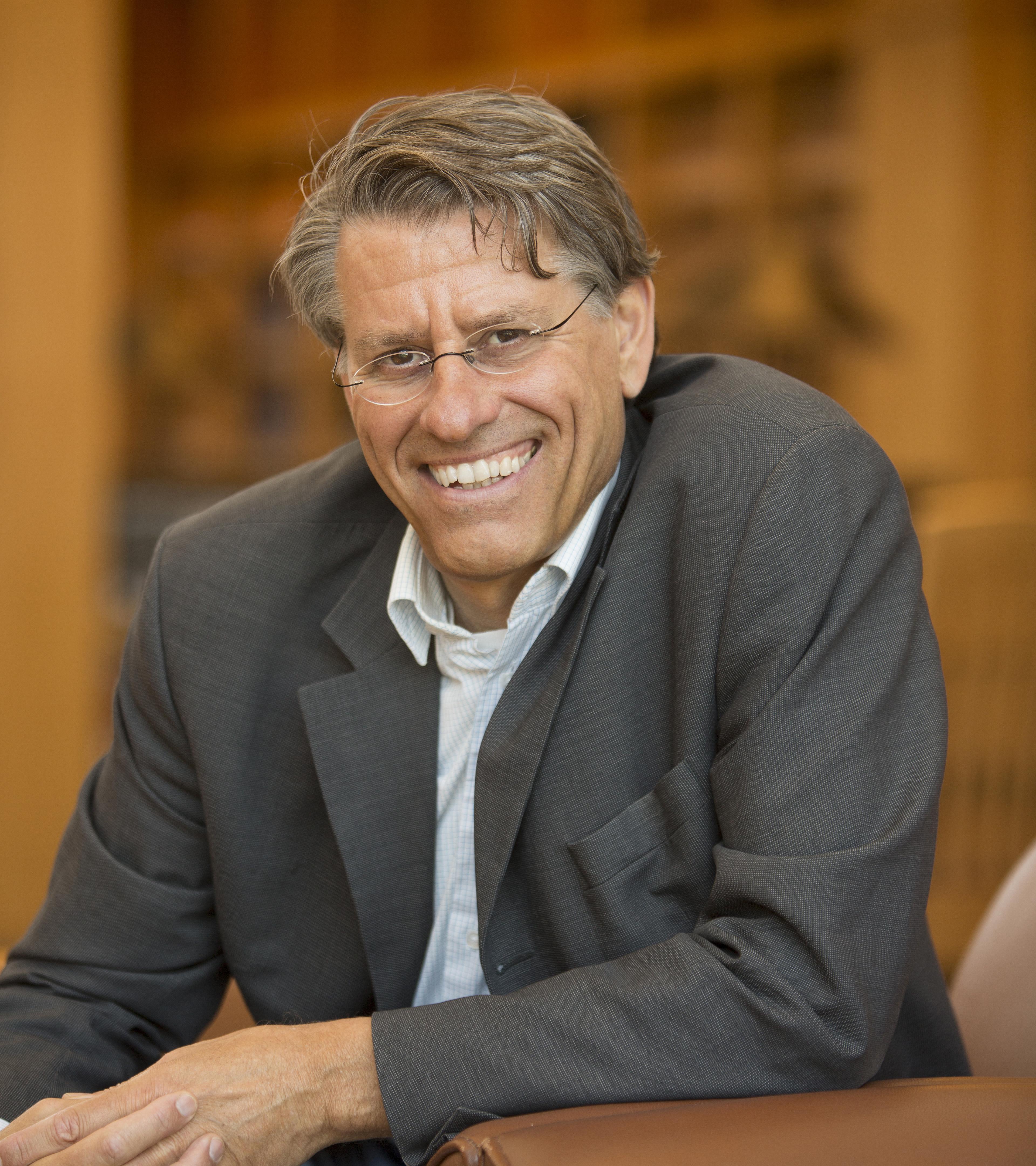 Professor Frans von der Dunk